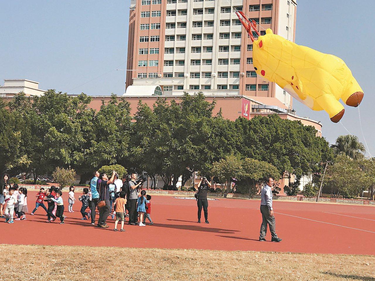 鹿港風箏節24日登場,包括10樓高氣囊風箏、 2樓高吉祥物小鹿鹿風箏都將飛上鹿港...