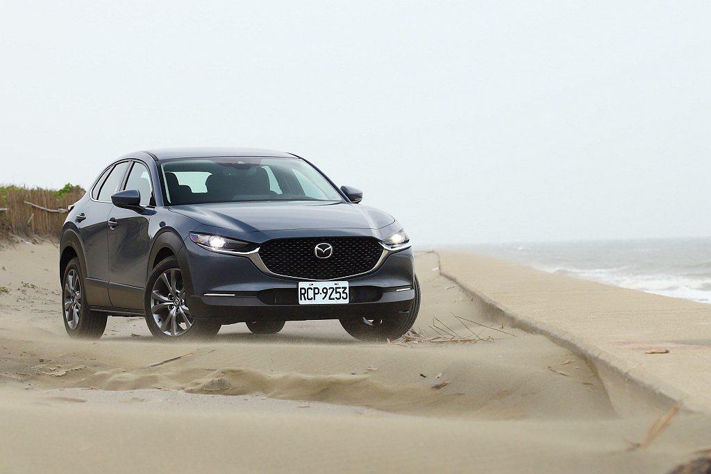 或許不少人會問,Mazda已經了CX-3、CX-5兩款休旅車,為何還需要一輛CX...