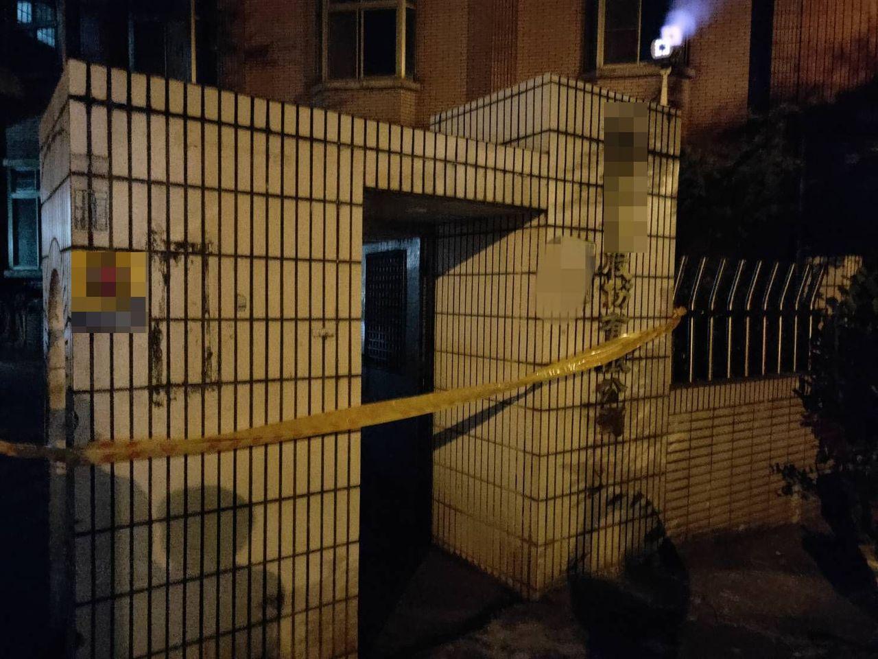 台中市警局太平分局宏龍派出所員警獲報後,到場逮捕涉案的帕姓男移工,並且在案發的工...