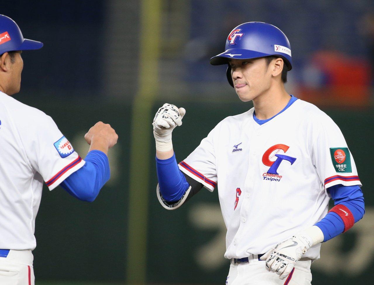 王威晨首次打一級國際賽,不但成為中華隊的攻擊重心,還獲選大會最佳三壘手。 特派記...