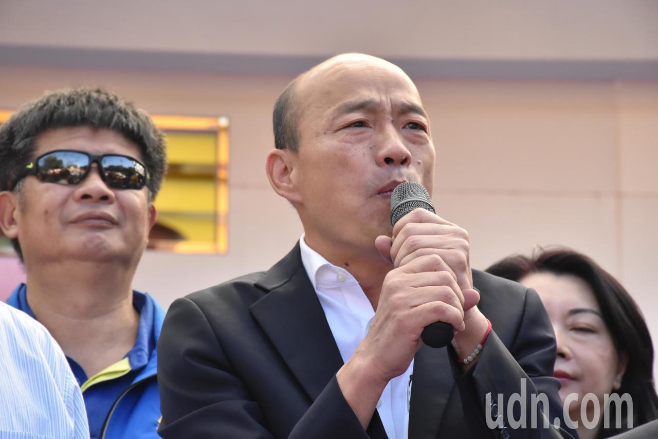 國民黨總統參選人韓國瑜今天上午到莊敬高職參訪電競產業班。記者江婉儀/攝影