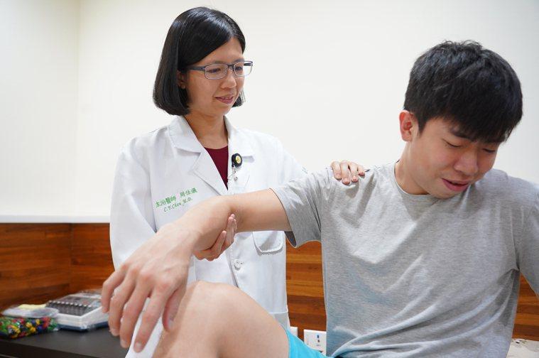 醫師周佳儀指出,薑是幫助運動後肌肉修復、緩解關節疼痛的聖品。圖/聯新國際醫院提供