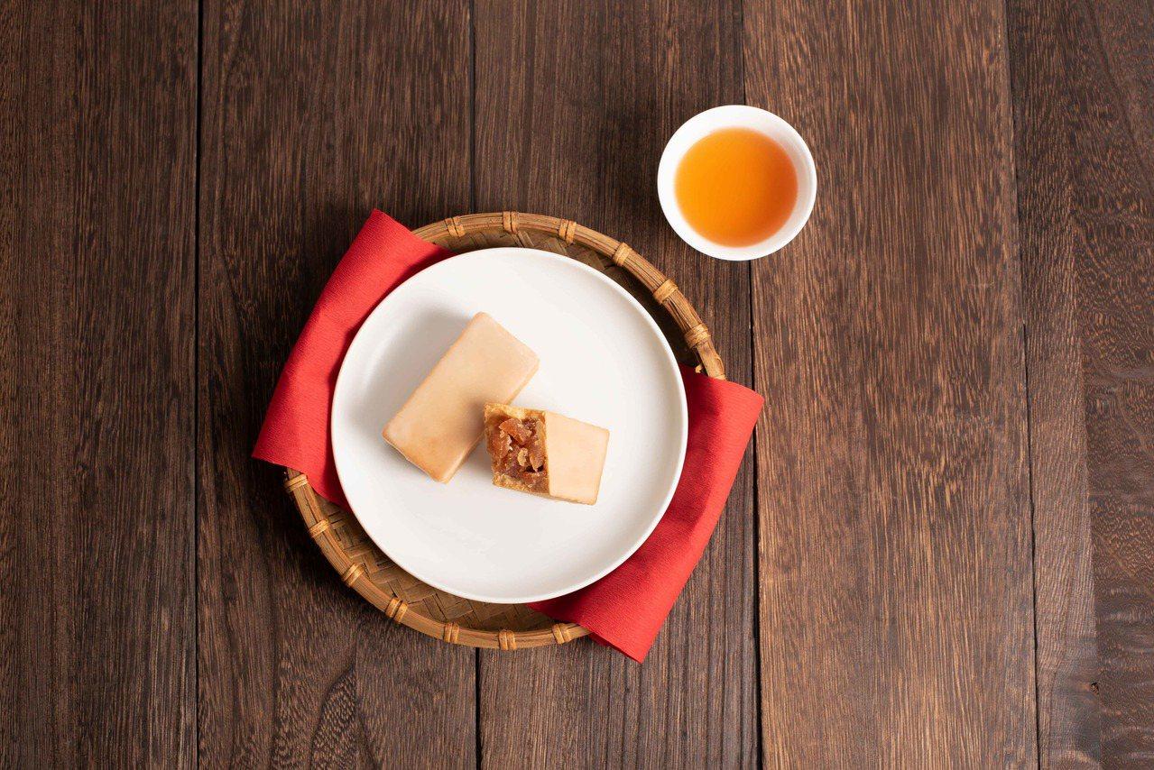 「蘋果酥」搭配台灣日月潭的紅玉紅茶是最佳茶食組合。圖/微熱山丘提供