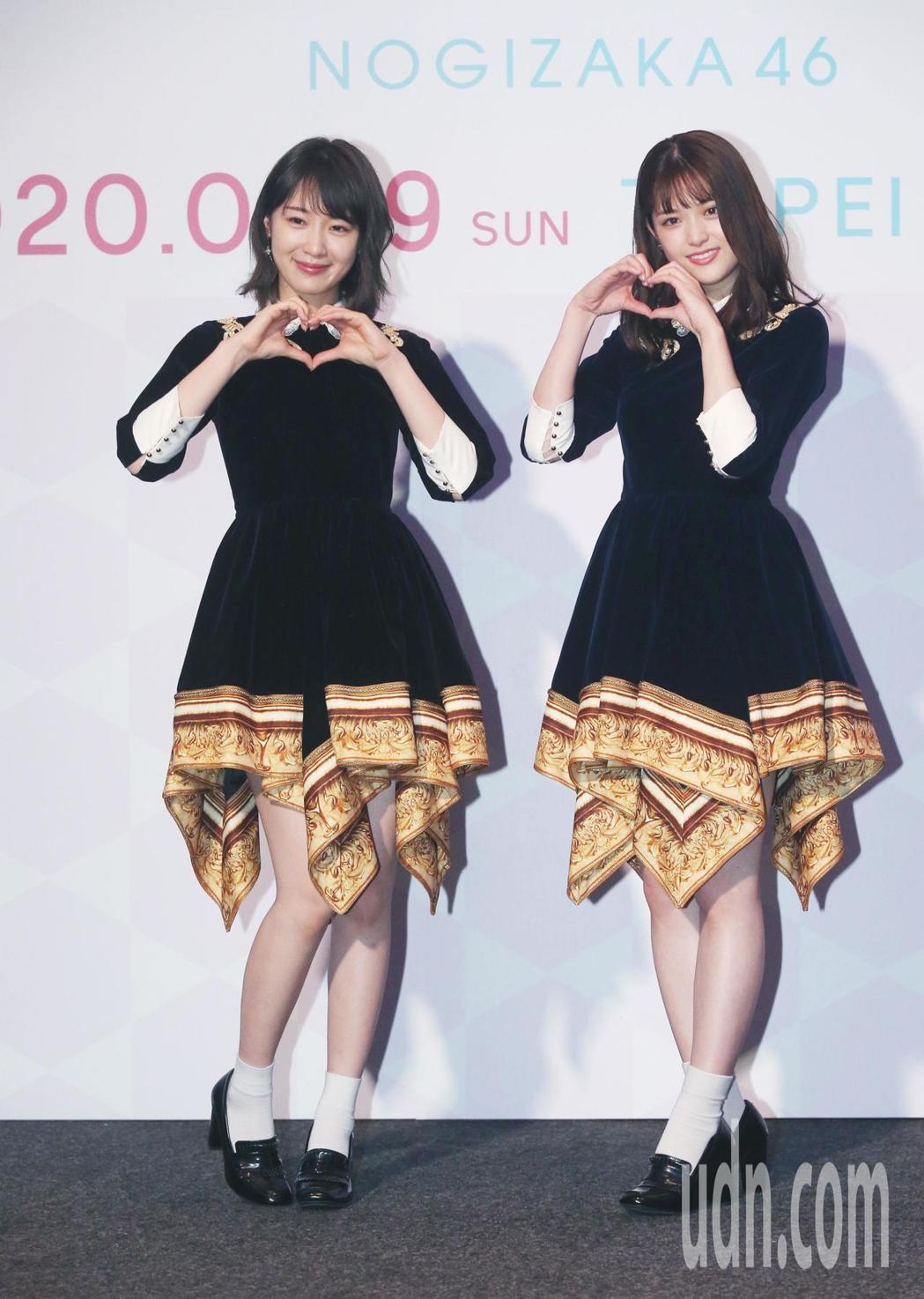松村沙友理(右)、高山一實開心宣布再唱台北小巨蛋。記者林俊良/攝影