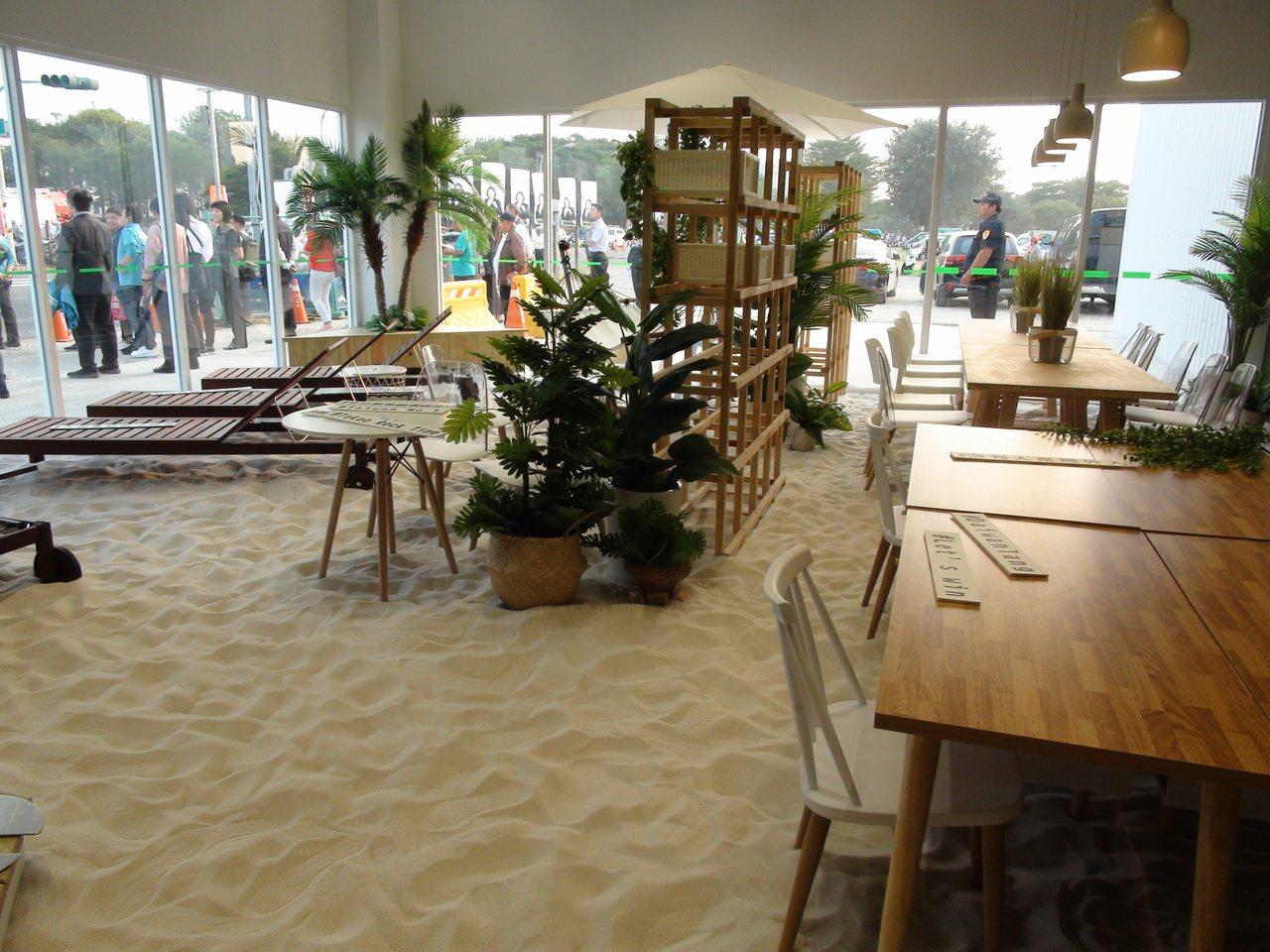 蔡英文高雄競總部今天下午成立,競總部內還設一處沙灘辦公室。記者謝梅芬/攝影