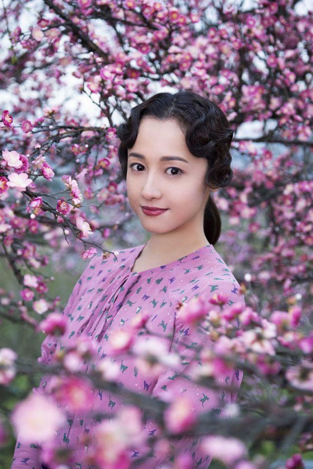 澤尻英龍華在新作中演出太宰治的情婦。圖/車庫娛樂提供