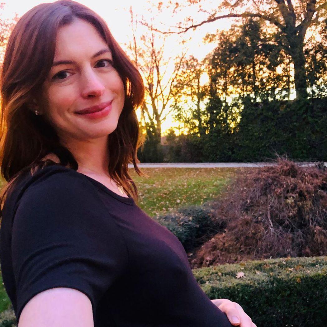 懷孕中的安海瑟薇感謝各方給她的37歲生日禮物。圖/摘自Instagram