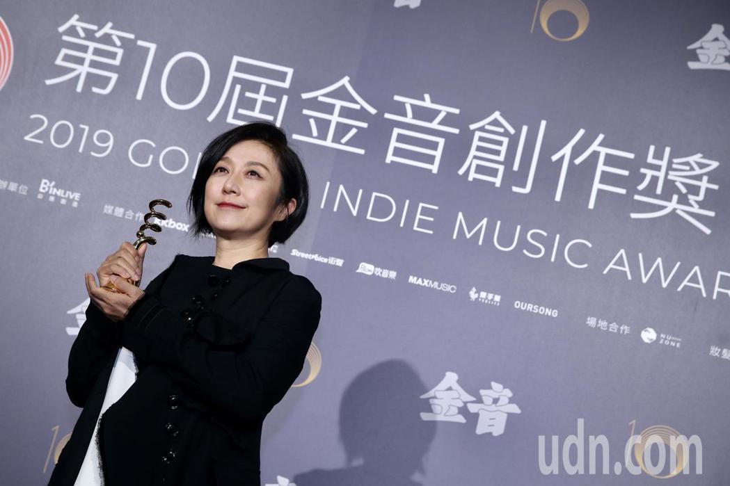 第十屆金音創作獎頒獎典禮在國父紀念館舉行,特別貢獻獎由黃韻玲獲獎。記者林伯東/攝...