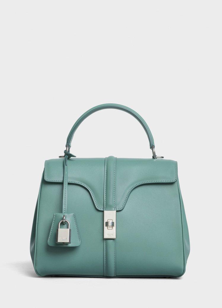 CELINE 16青瓷色小牛皮小型肩背提包,售價13萬元。圖/CELINE BY...