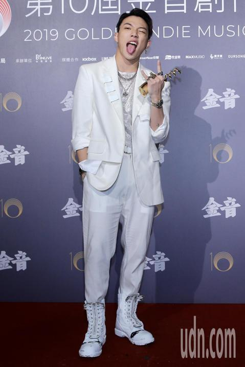 第十屆金音創作獎頒獎典禮在國父紀念館舉行,最佳節奏藍調專輯獎由ØZI《ØZI: The Album》獲獎。