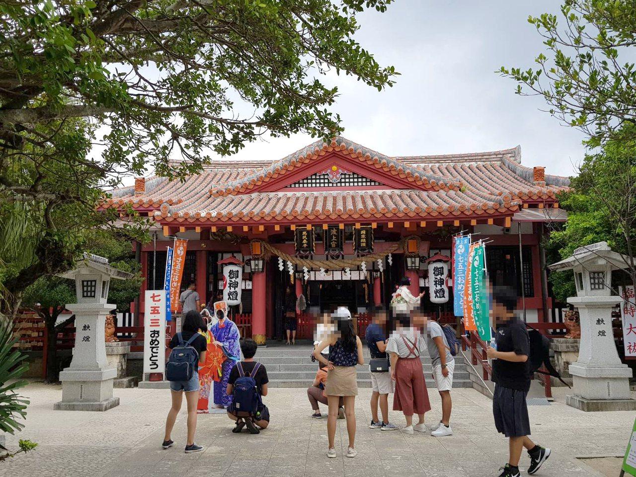波上宮是沖繩著名的文化型觀光景點之一。記者陳睿中/攝影
