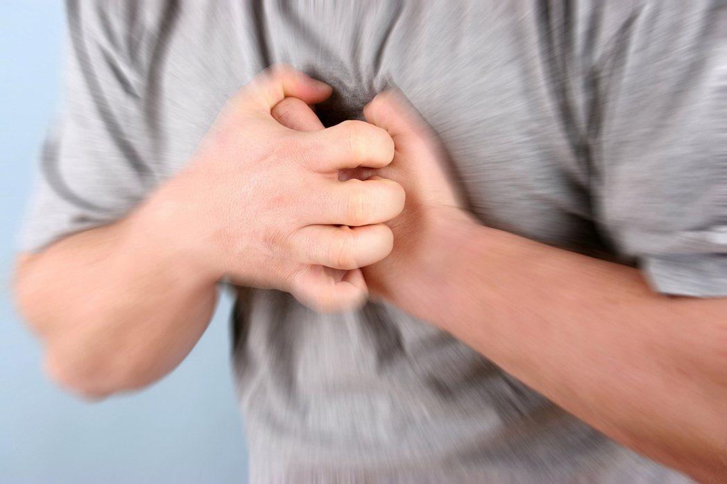 近期研究顯示,由於基因的關係,身高較高的人較易得到心房顫動。 圖/ingimag...