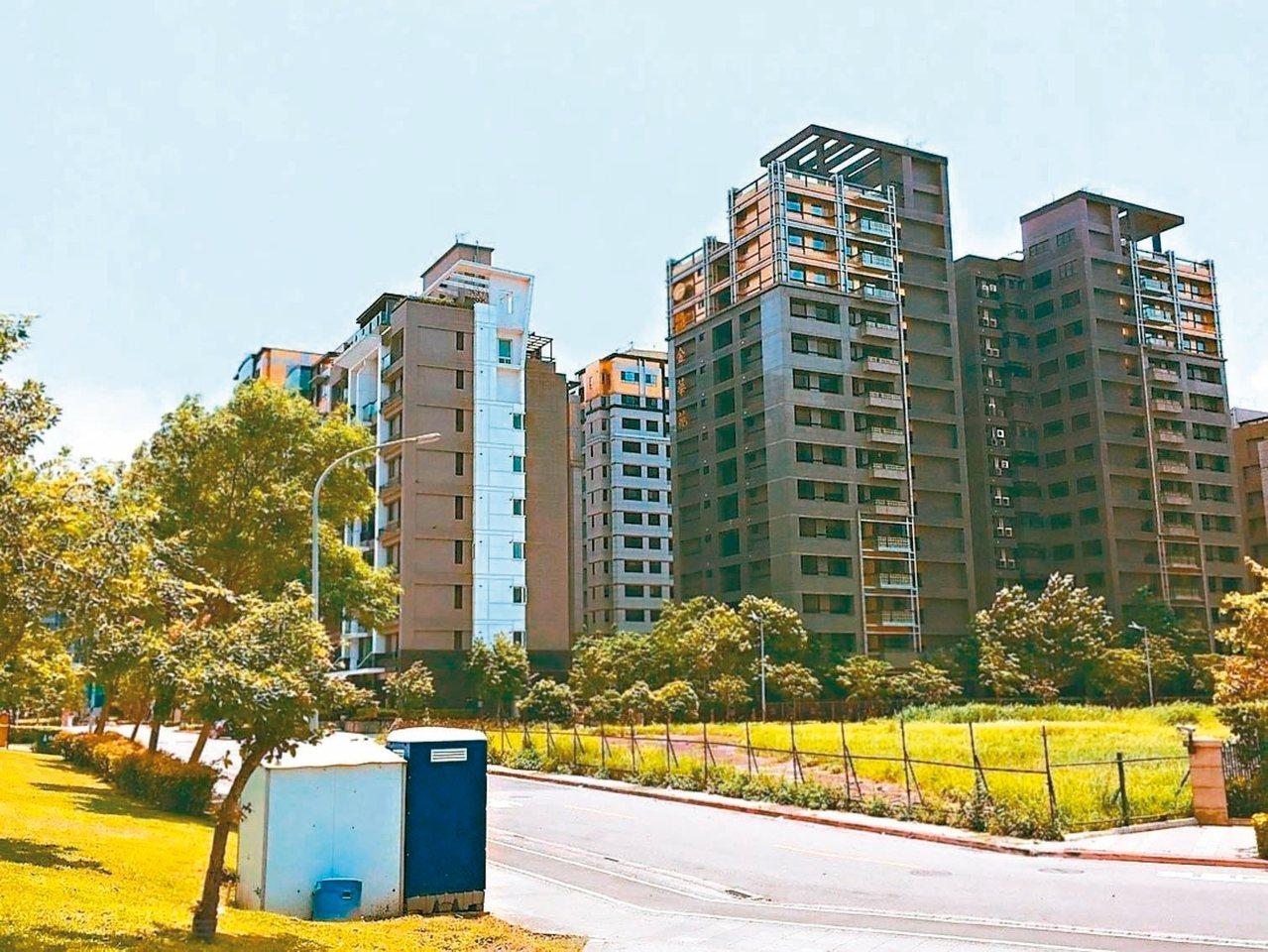 台北市內湖5期重劃區鄰近內科園區,道路筆直、環境清幽。 記者張世杰/攝影