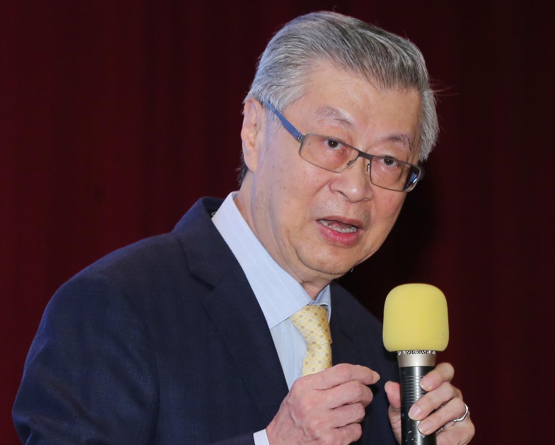 新世代金融基金會董事長陳沖表示,證券交易法上路滿五十年,是時候可重新思考一些條文...