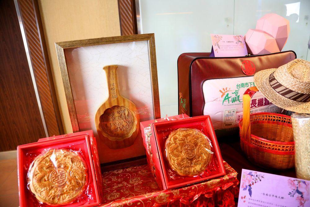 台南人嫁女兒一定要有的台南大餅。圖/台南市政府提供