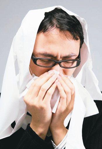 感冒可概分為風熱型與風寒型,風熱型感冒主要由細菌病毒感染所致,風寒型感冒則由身體...