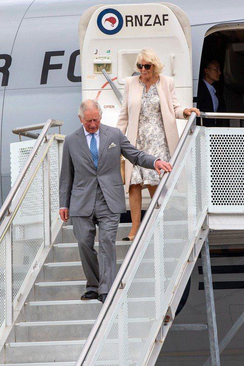 英國王儲查爾斯(Prince Charles)與妻子、康瓦爾公爵夫人(Duche...