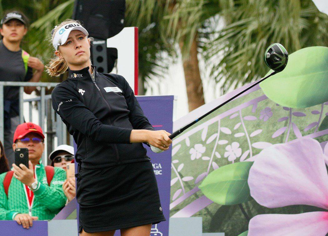 衛冕冠軍奈莉‧科達延續火燙手感,以-6桿在第一輪強勢領先。  裙襬搖搖/提供