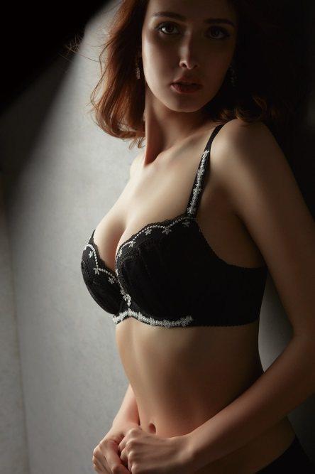針對台灣女性越來越豐滿的身材,內衣業者將尺寸向上推展到H罩杯,讓上身豐滿的美眉也...