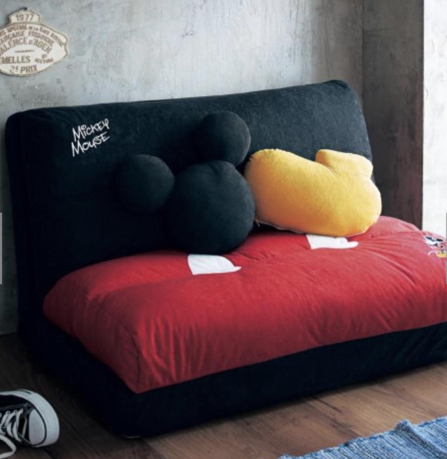 經典米奇配色的懶人沙發。圖/摘自bellemaison網站