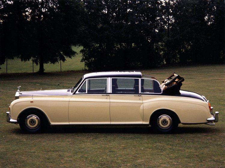 Phantom VI Landaulettes,全球限量僅三輛。圖/摘自zh.w...