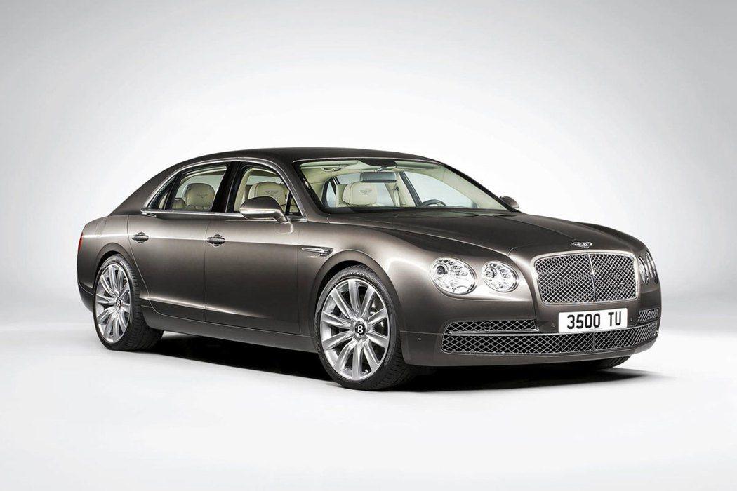 AKIRA搭乘的Bentley賓利Flying Spur轎車。圖/Bentley...