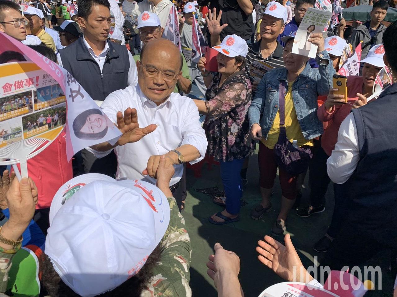 蘇貞昌稍早抵達現場,在支持者歡呼下大進場。記者張曼蘋/攝影