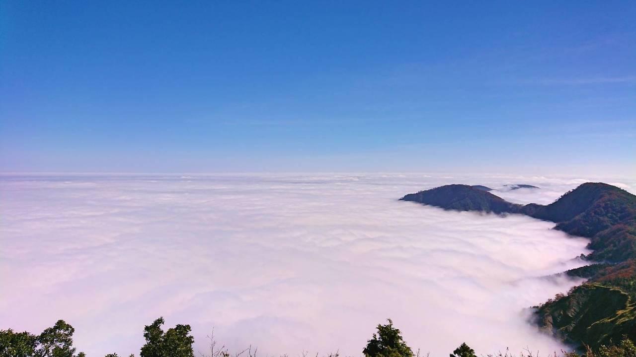 望洋山上的雲瀑,美麗又壯觀。 圖/羅東林管處提供