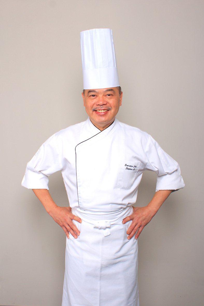 台南晶英酒店行政總主廚「盧偉強」,擁有30餘年豐富廚藝經驗。圖/台南晶英酒店提供