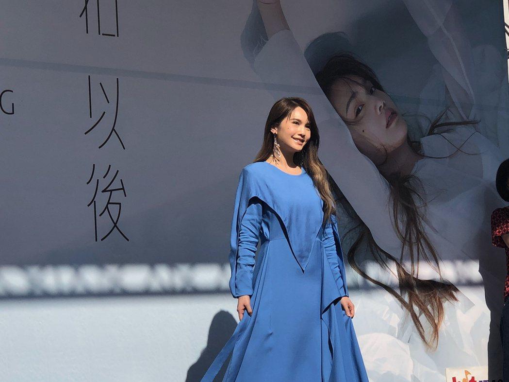 楊丞琳舉辦新專輯簽唱會。記者林士傑/攝影
