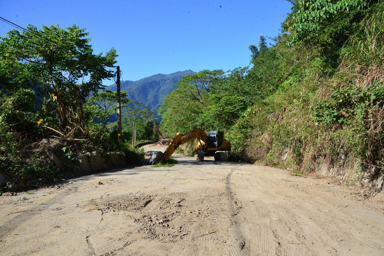 149甲線為雲林古坑鄉樟湖往來草嶺重要路段,受921大地震、八八風災影響中斷,如...