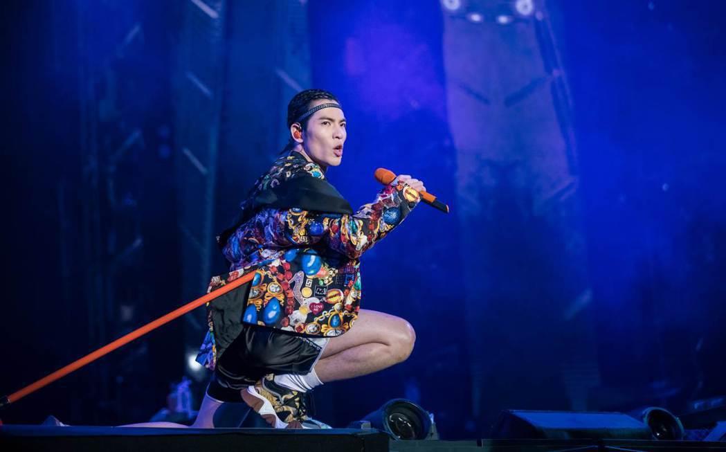 蕭敬騰在南京舉辦「娛樂先生」世界巡演。圖/華納提供