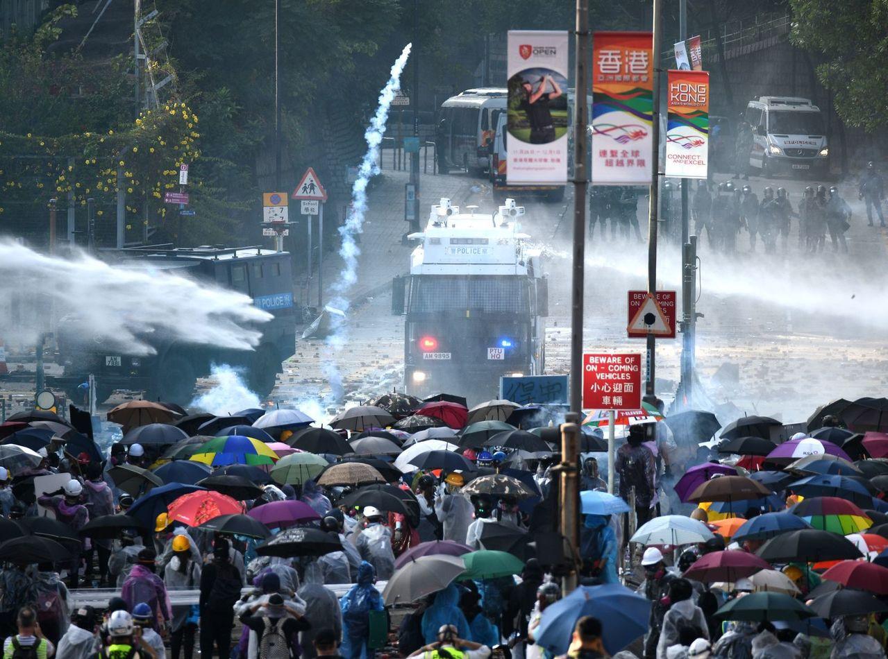 香港反送中運動升溫。圖/取自星島日報