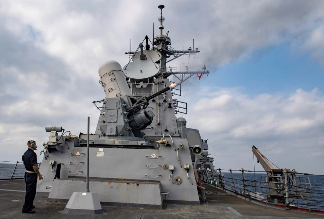 軍方證實,尾隨共軍「002航母」的美軍艦艇,是美軍神盾艦韋恩·邁耶號(DDG-1...