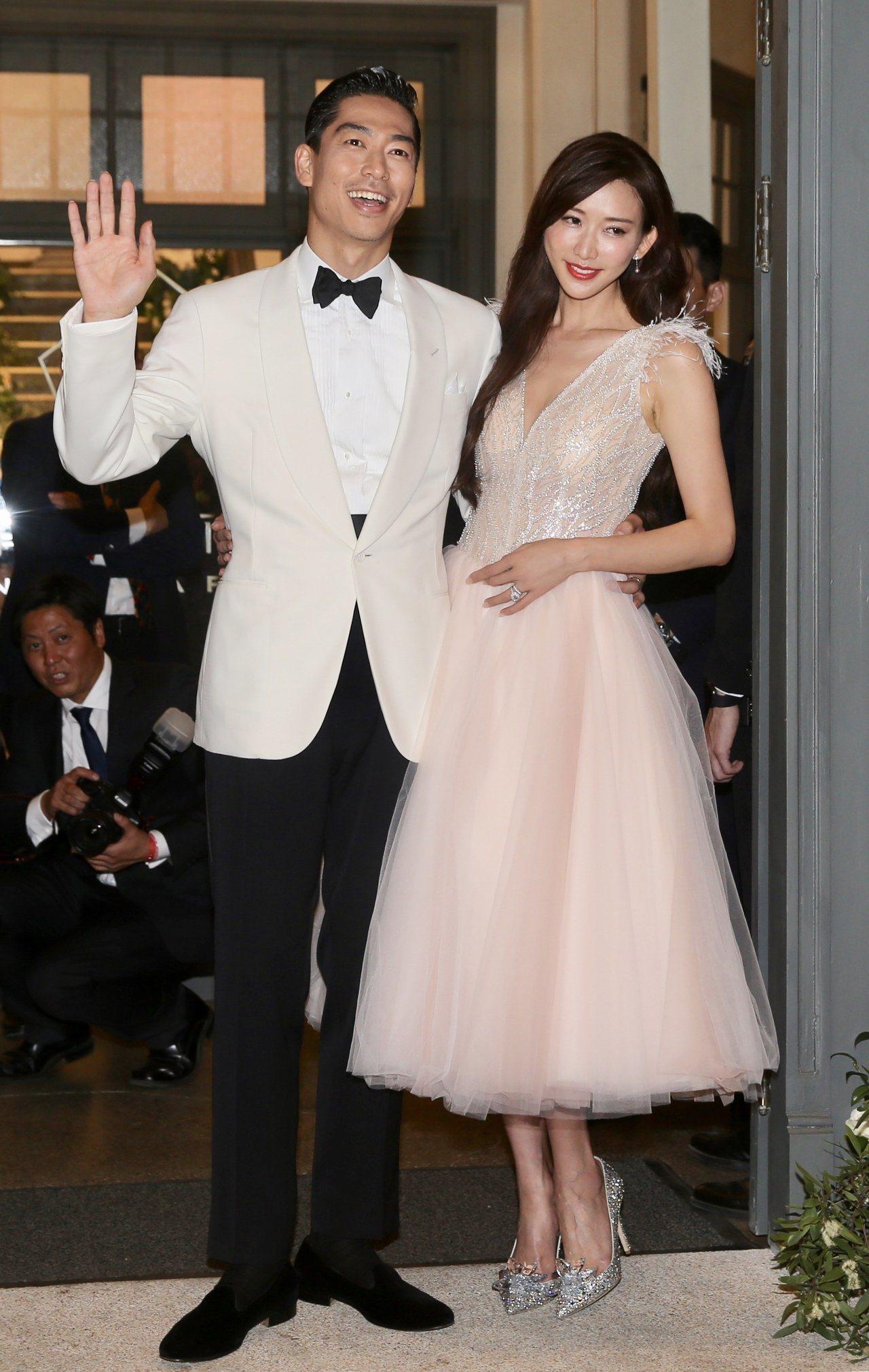 林志玲身穿一襲粉色禮服與AKIRA與賓客們一同慶祝。記者林伯東/攝影