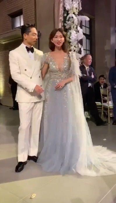 林志玲、Akira在婚宴上幸福現身。圖/讀者提供