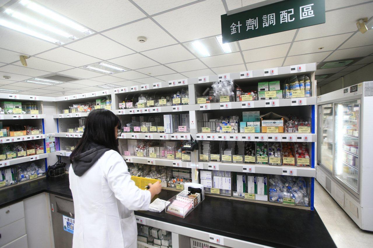 目前長庚、北榮、台大等各大醫學中心均進行後線抗生素管理,減少濫用。圖為林口長庚兒...