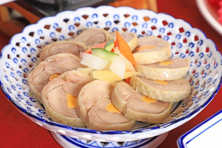 阿舍宴經典料理「鳳腿照月」。圖/台南晶英酒店提供
