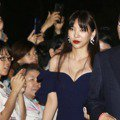 誰跟林志玲比美?王力宏老婆李靚蕾禮服炸出低胸 成婚宴上最美賓客