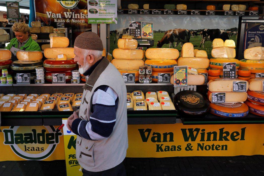 根據Future Market Insights,全球植物乳酪去年的市場規模為1...