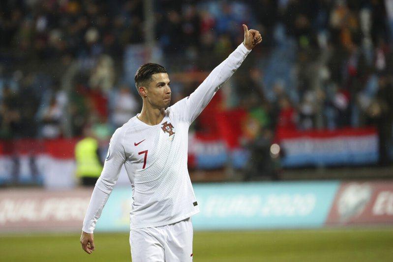 「C羅」射進葡萄牙國家隊99球踢進歐國盃! 美聯社