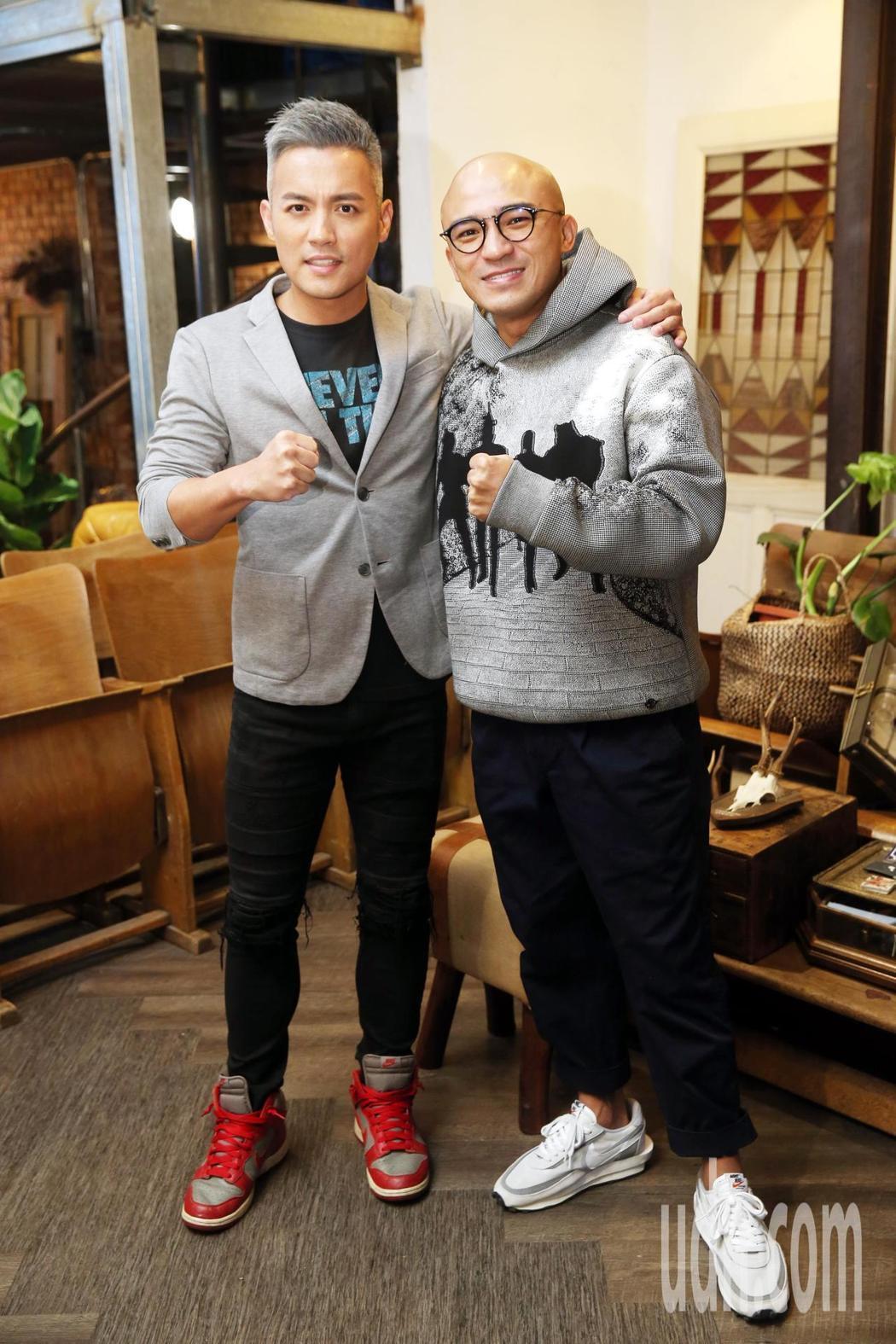 小馬(右)推出首張專輯「倪子鈞」,好友范逸臣站台相挺。記者邱德祥/攝影