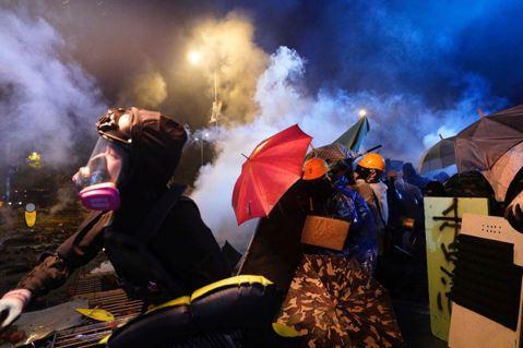 專制且無能的中共,是香港人互相傷害的禍首