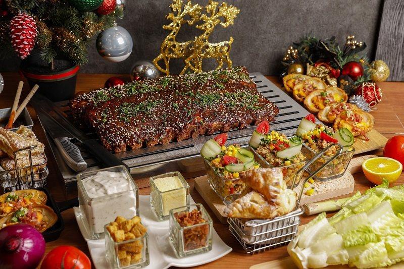 瓏山林台北中和飯店「美式豬肋排組合餐」,提供火雞餐外的新選擇。 業者/提供