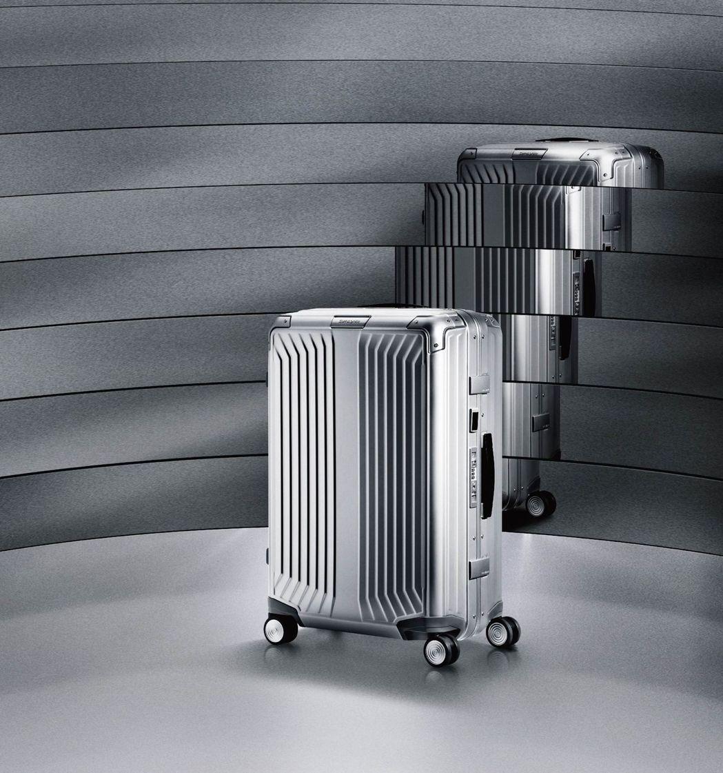 進化鋁合金材質,限量 Lite-Box ALU 改寫旅行箱定義,保護性新升級。美...
