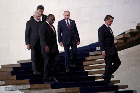 金磚不怕火煉?失色的五國峰會,與習近平「命運共同體」之說