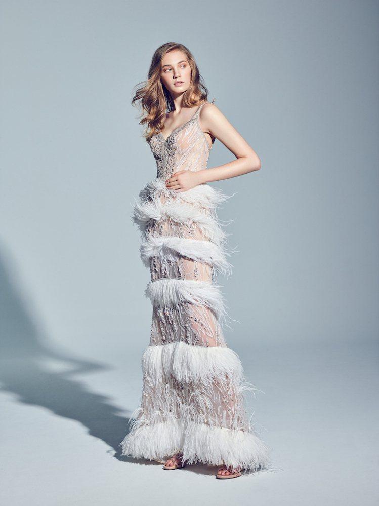 LinLi Boutique趕製了拉菲爾禮服給林志玲,拍攝與老公AKIRA甜蜜牽...