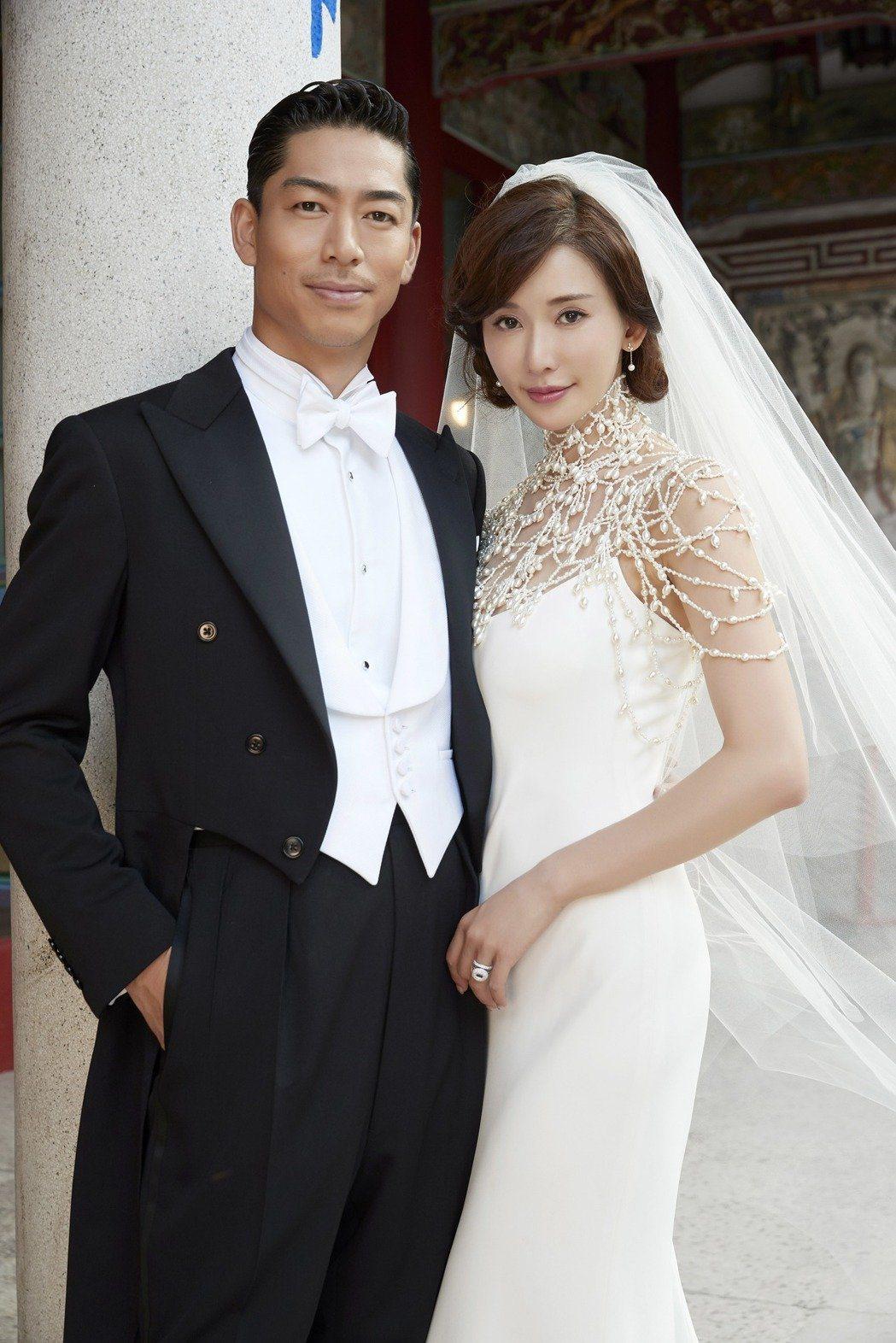 AKIRA(左)和林志玲在台南舉辦世紀婚禮。圖/LDH提供