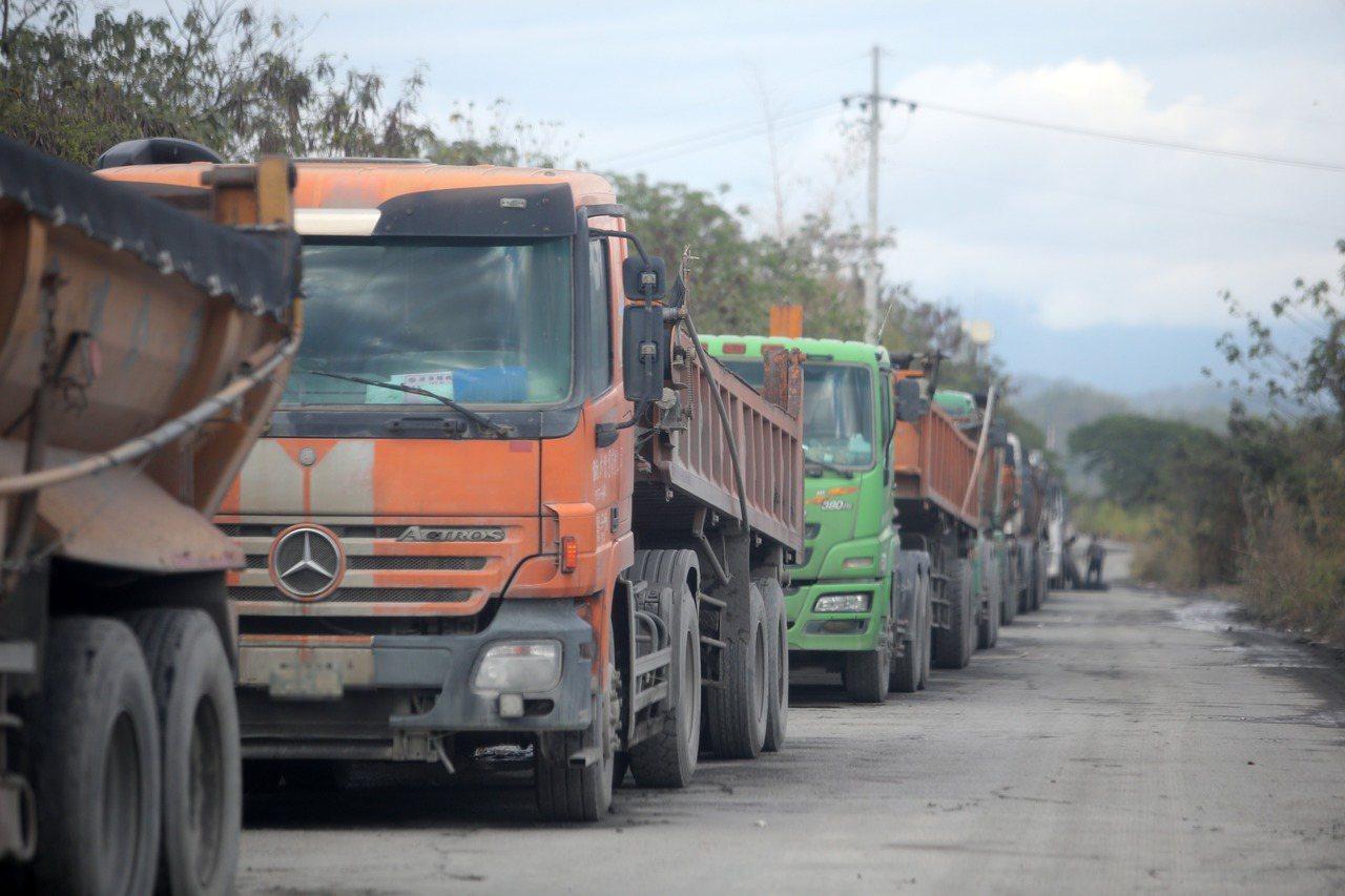 環保署長空保處長蔡孟裕表示,經盤點後,8萬輛老舊柴油車內,有4萬輛可以符合現在標...