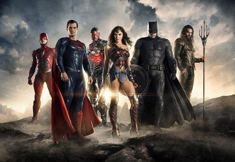 集結眾多DC超級英雄的「正義聯盟」成本高達3億美金,卻創下DC電影有史以來票房最低成績的6.5億美金,評價也不盡理想,外媒曾指出華納兄弟影業找來接替原本導演查克史奈德的喬斯威登,大筆一揮更改大部分劇...
